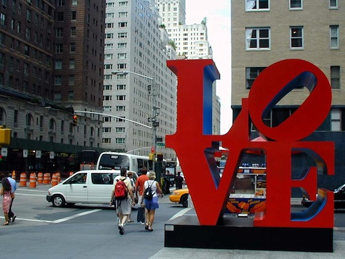 Sculpture LOVE de Robert Indiana